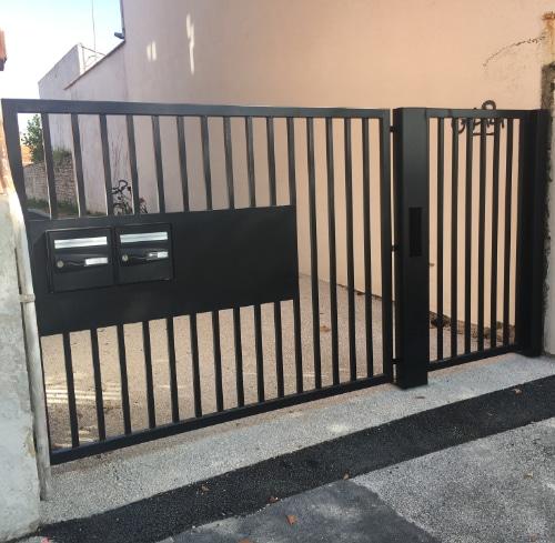 portail à Saujon