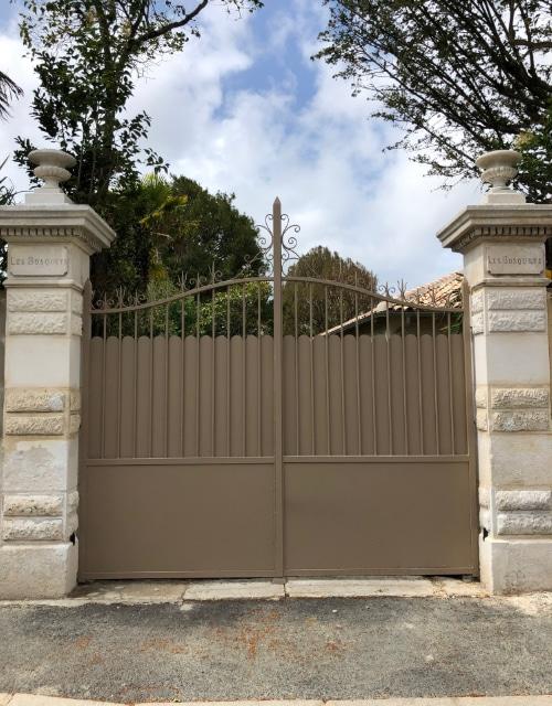 portail fabriqué sur mesure en Charente Maritime à Saintes par Création Atlantique Ouest