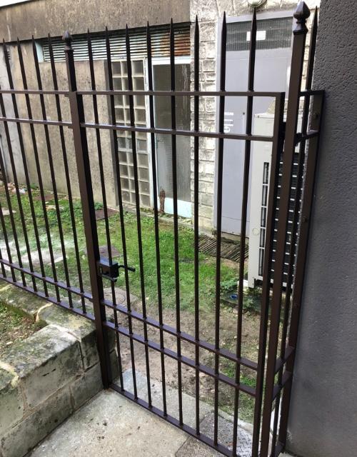 portillon extérieur à Cognac